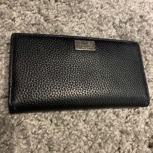 Kate Spade ♠️ Black Pebbled Wallet